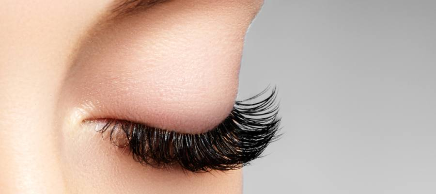 5 Hazards of Wearing Fake Eyelashes